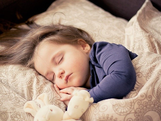 5 dôvodov, prečo si domov zaobstarať práve poschodovú posteľ