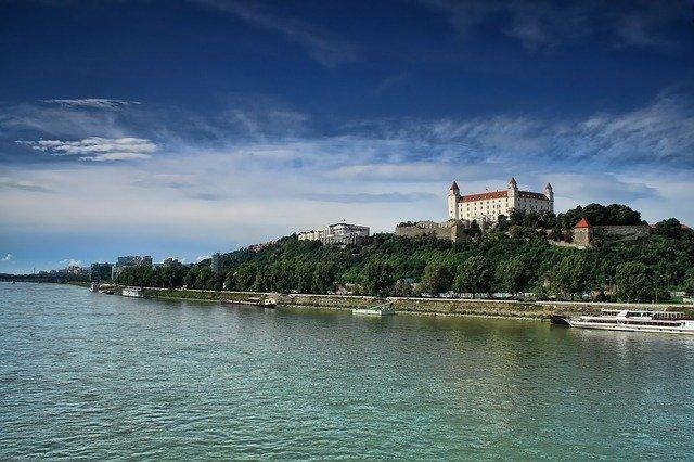 Počet novozaložených podnikov na Slovensku rastie
