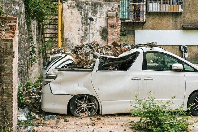 Od apríla 2018 auto zavolá záchrannú službu miesto vás